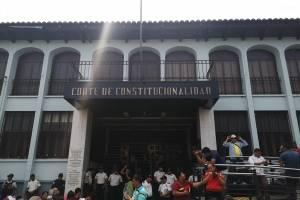 manifestantes en la Corte de Constitucionalidad