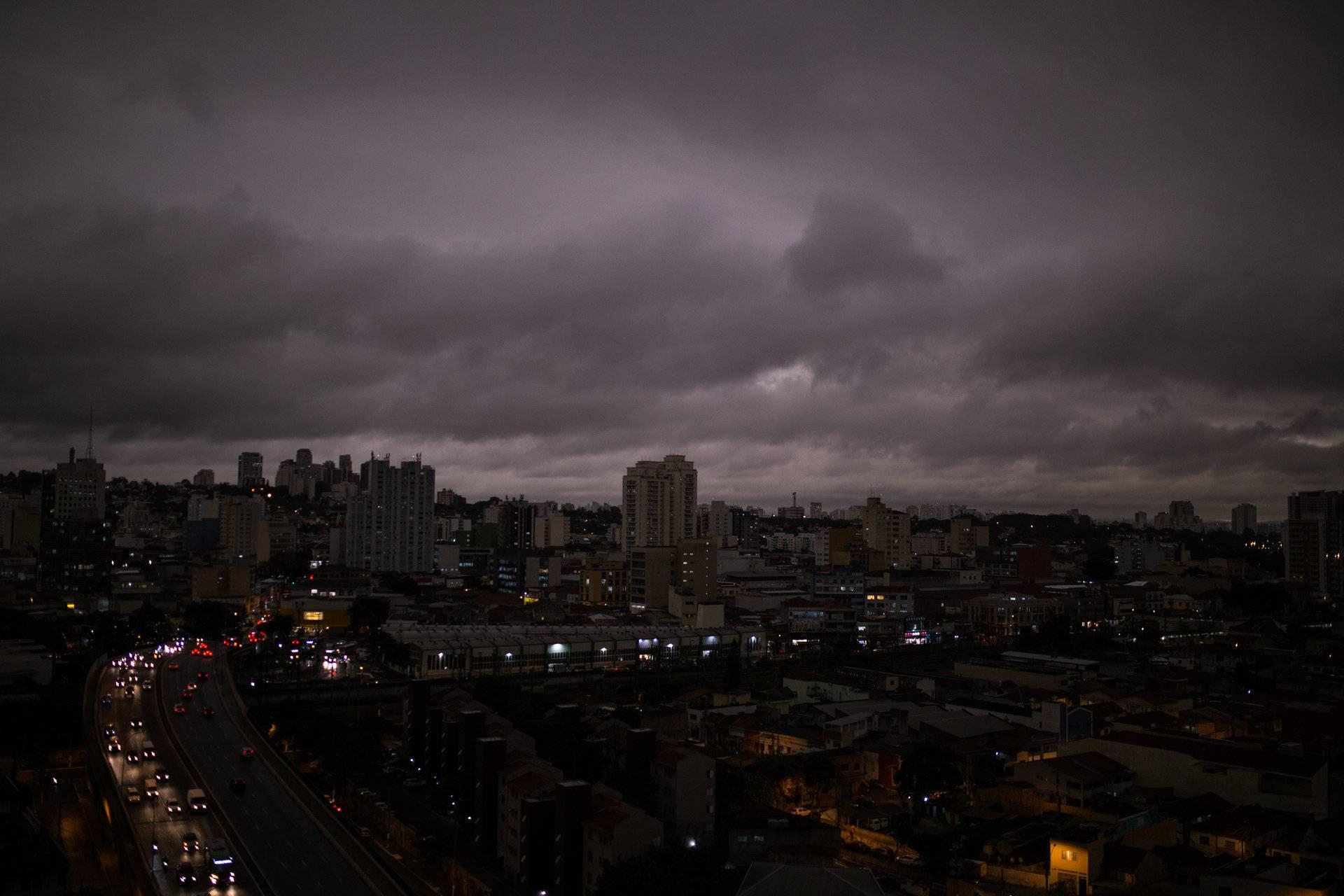 Incendio del Amazonas crea gigantesca nube de humo en Sao Paulo