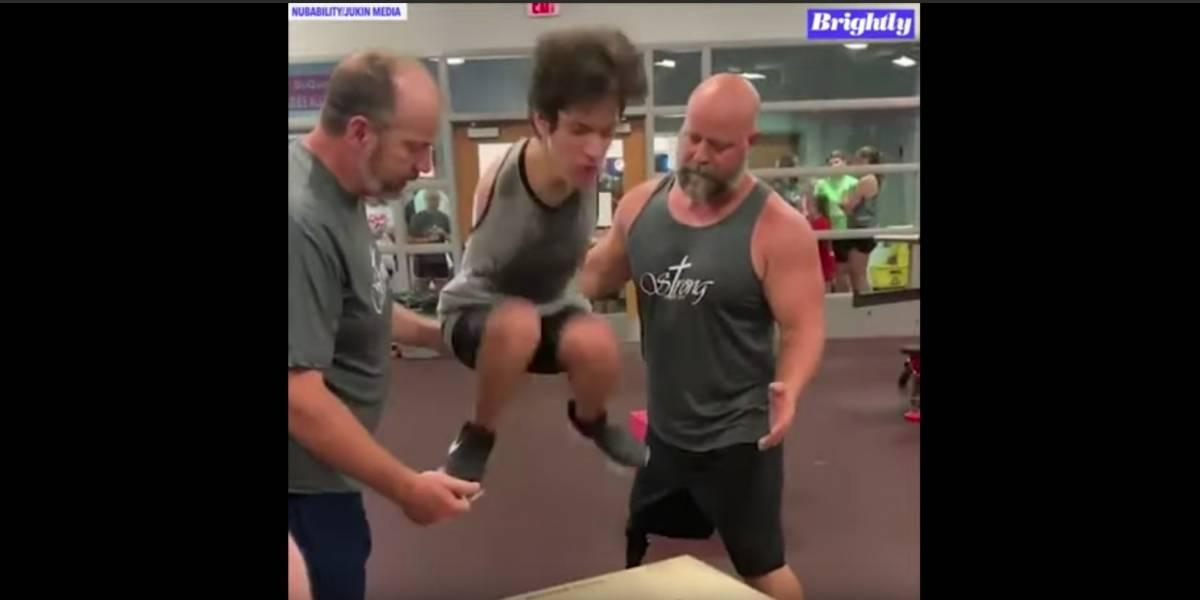 Tim Bannon, el joven sin brazos que participará en el triatlón de Chicago