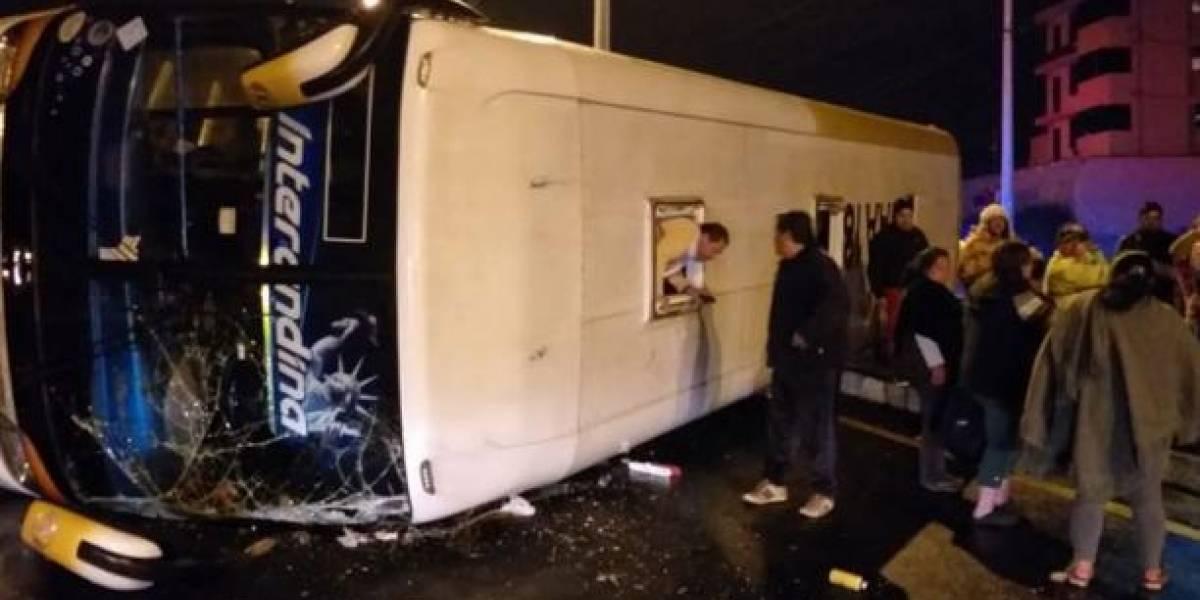 Ambato: accidente de tránsito deja un muerto y 13 heridos
