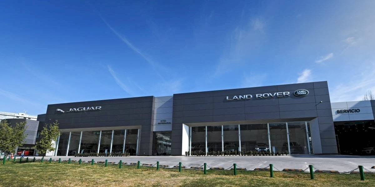 Jaguar Land Rover inauguran su renovado y exclusivo showroom