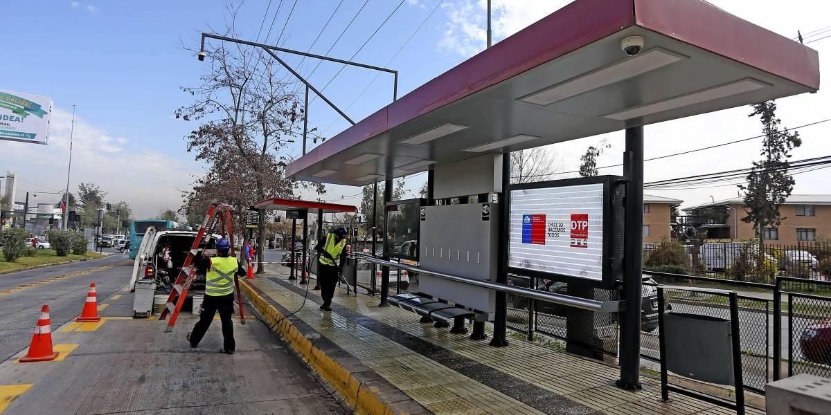 El nuevo estándar RED no es solo para los buses: Ministerio de Transportes anuncia plan de renovación de 9.150 paraderos de la capital
