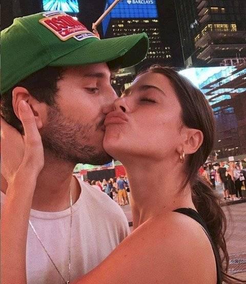 Sebastián Yatra y su novia