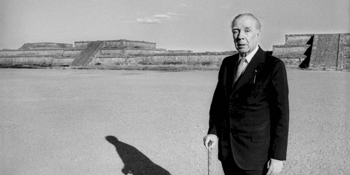 AMLO recuerda a Jorge Luis Borges como genio de las ideas y las letras