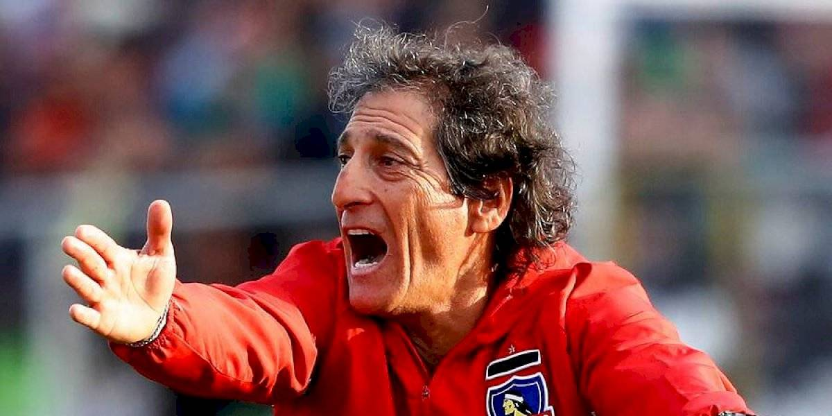 La gran interrogante de Mario Salas para definir la formación de Colo Colo ante Everton