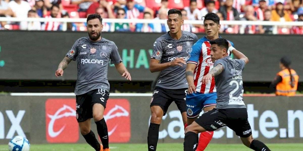 Luis Felipe Gallegos brilló con un gol en la victoria de Necaxa sobre Chivas de Guadalajara