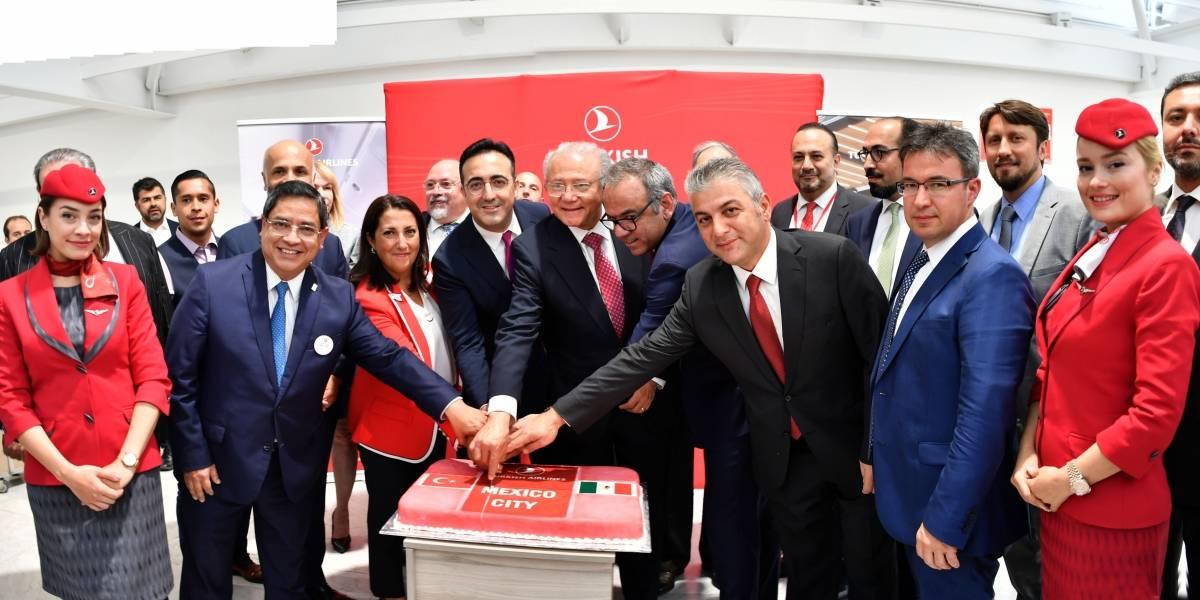 Inauguran nueva ruta aérea Estambul-Ciudad de México