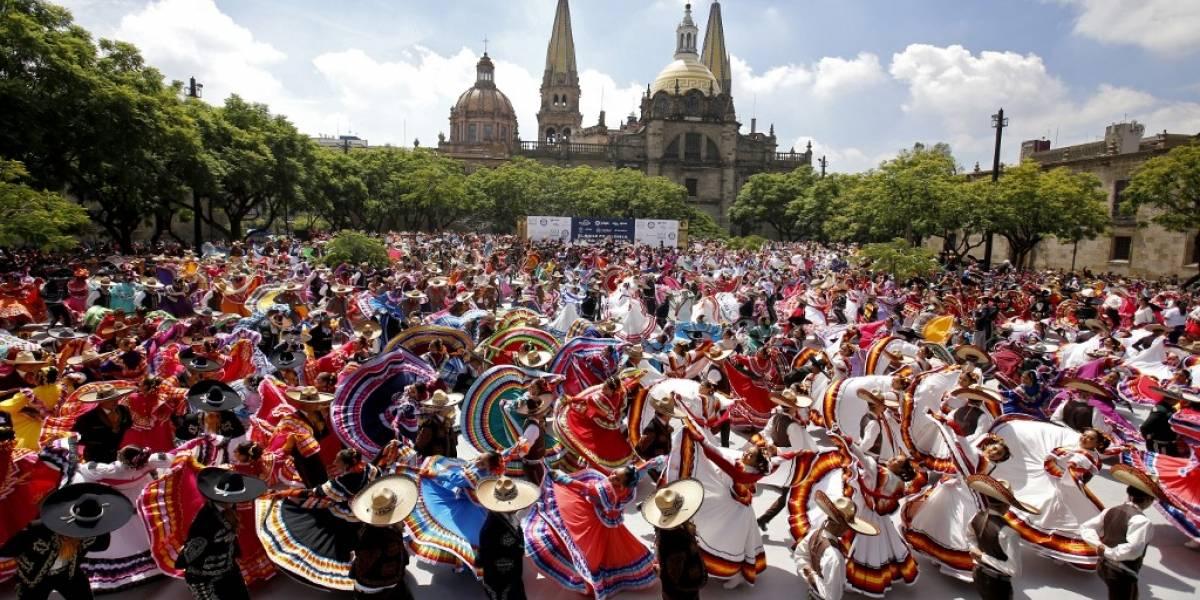 EN IMÁGENES. Logran récord Guinness en el Encuentro Internacional del Mariachi y la Charrería