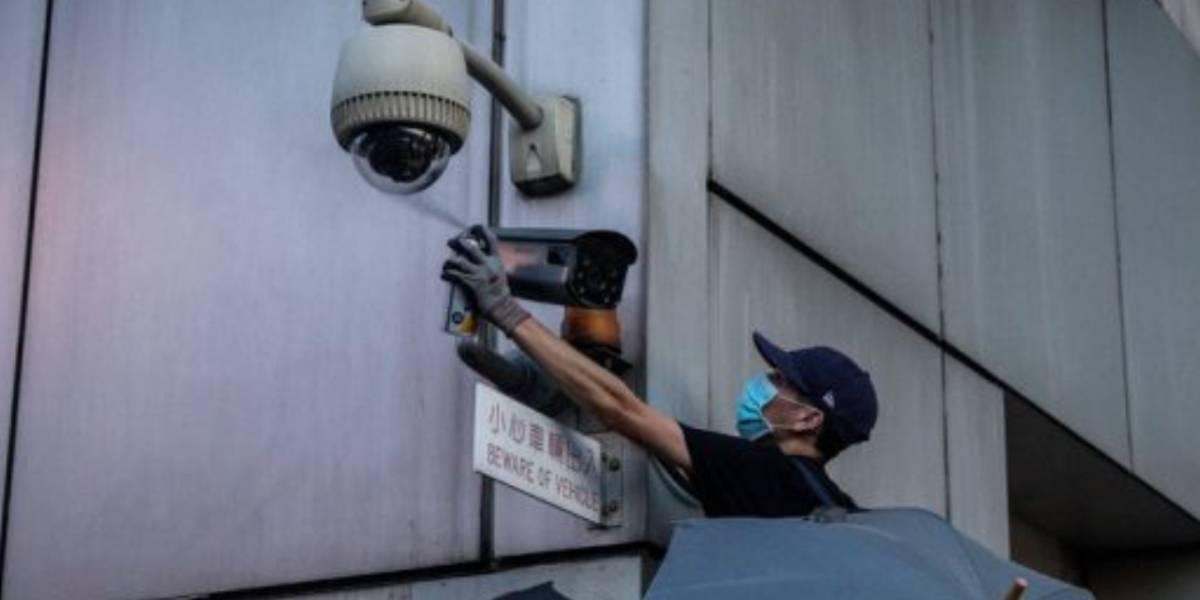 Manifestantes en Hong Kong están destruyendo cámaras de reconocimiento facial