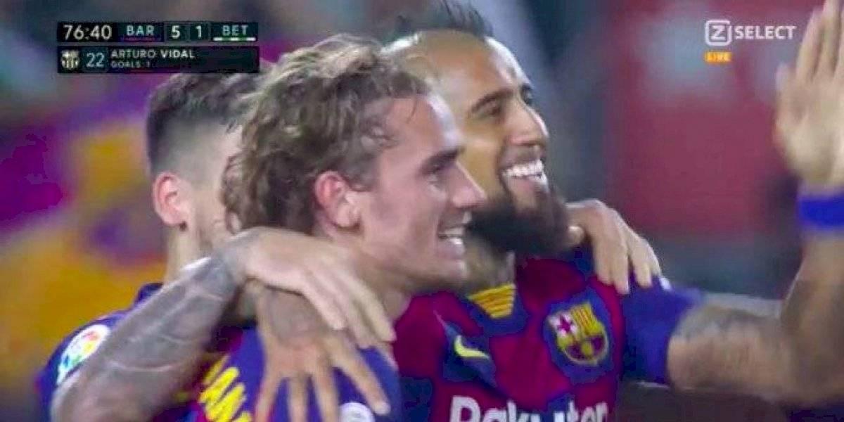 Arturo Vidal le ganó a todos sus críticos y anotó un golazo en paliza del Barcelona ante Betis por la Liga