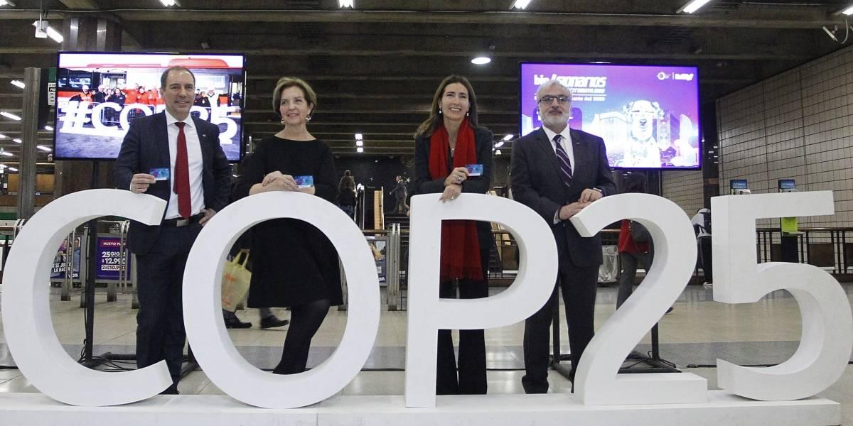 Metro de Santiago abre concurso para diseñar la Tarjeta Bip! del 2050