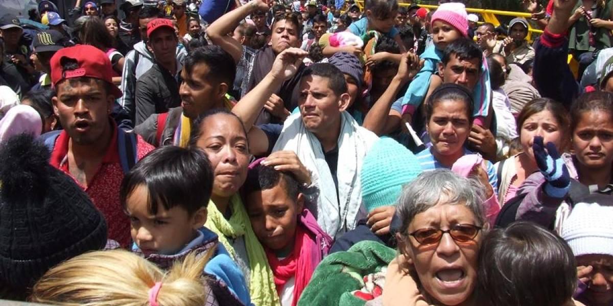 Visa humanitaria: 13.000 venezolanos cruzaron la frontera hacia Ecuador este fin de semana