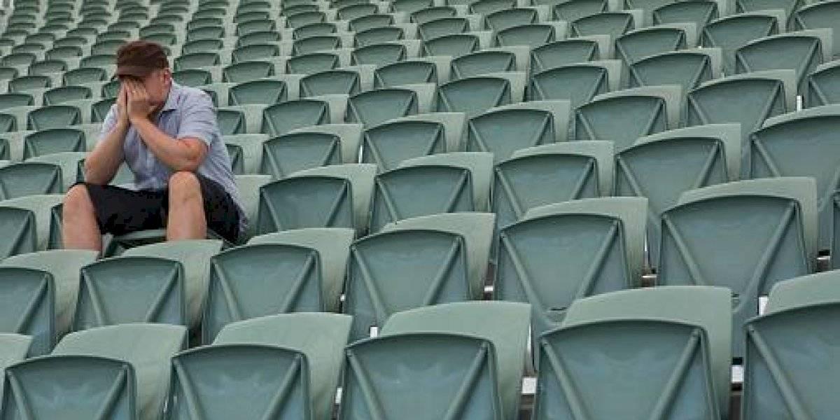 ¿Nos sentimos cada día más solos? Epidemia de la soledad golpea al mundo y personas pagan hasta $15 mil para poder abrazar a alguien