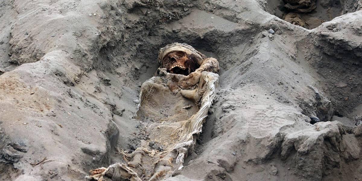 VIDEO. Arqueólogos hallan más de 200 cuerpos de niños sacrificados en Perú