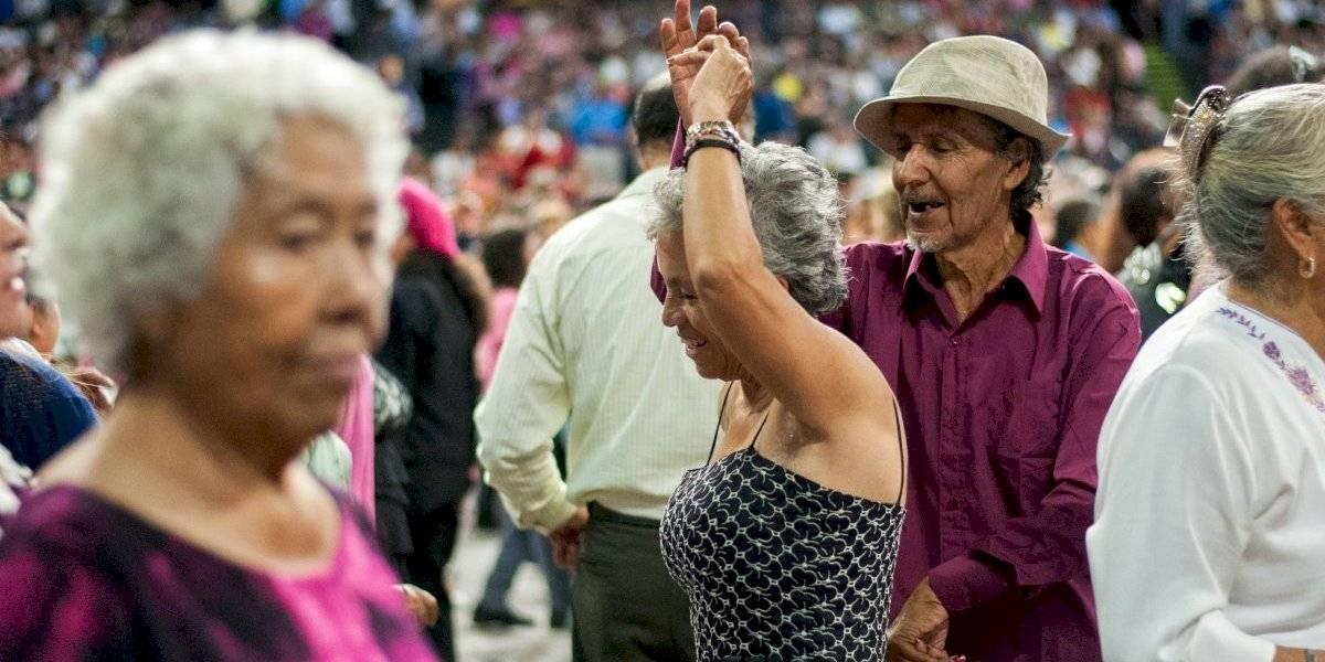"""La """"abuelidad"""" en México es cada vez más liberadora y rebelde"""