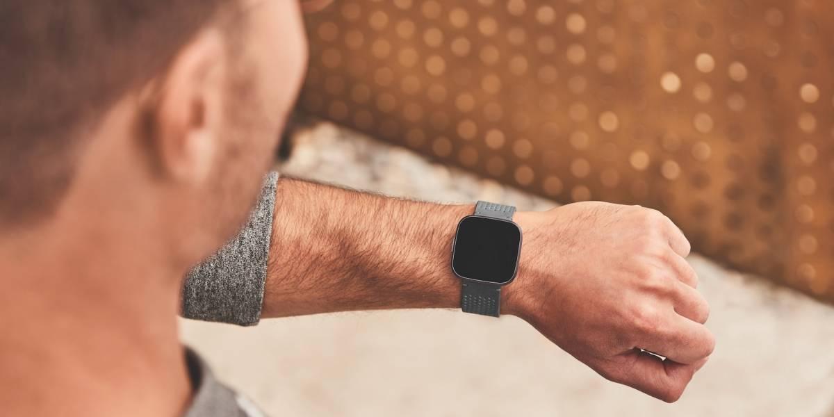 Este es el nuevo Fitbit Versa 2, con un nuevo diseño y mejor batería