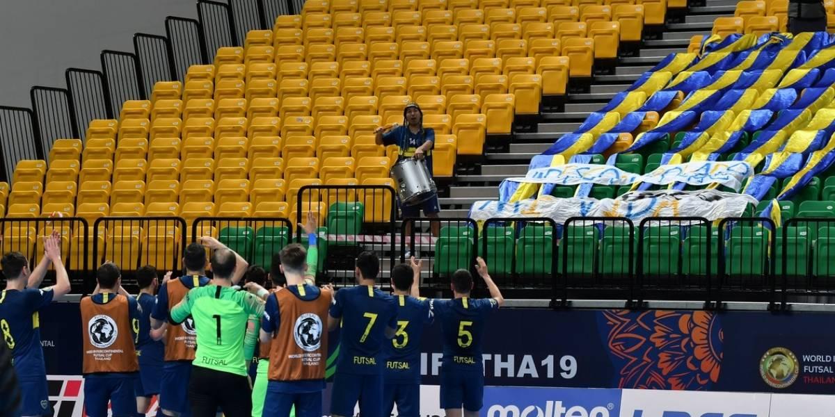 La locura del japonés de Boca no para: Viajó solo a Tailandia para alentar al Xeneize en el Mundial de Futsal