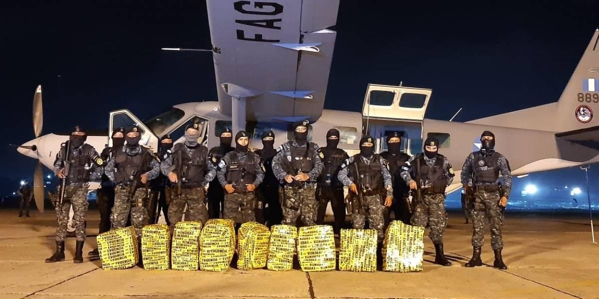 PNC traslada cocaína decomisada en Petén hacia la capital