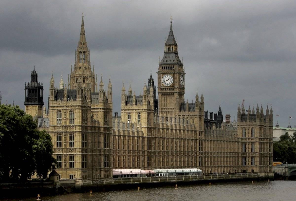 Manifestaciones en Reino Unido contra el cierre del Parlamento Foto: AP