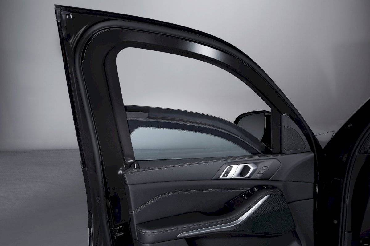 BMW X5 VR6 2020 camioneta blindada puertas