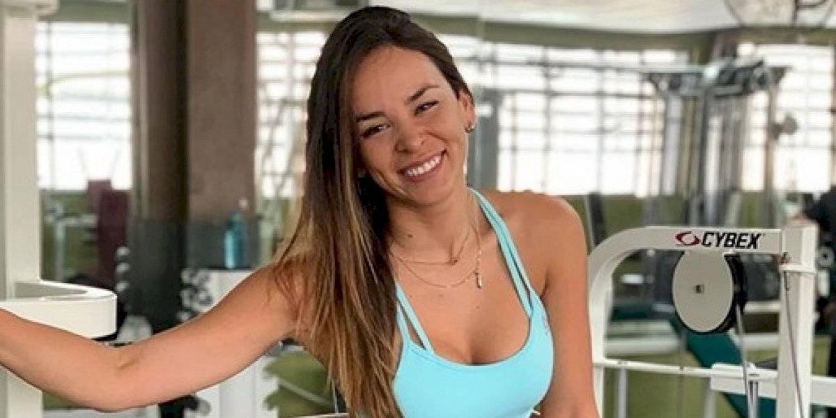 """""""Cuando quieres ser sexy..."""": Jhendelyn Núñez compartió video mostrando épica caída"""
