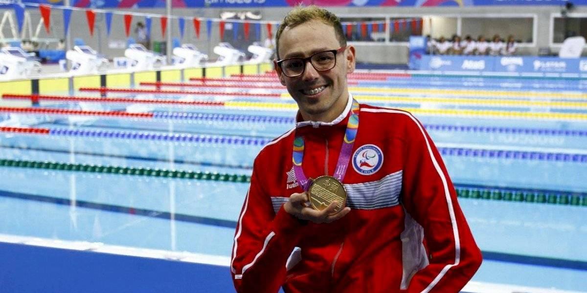 Alberto Abarza gana en los 100 metros espalda de la natación y logra su tercer oro en los Juegos Parapanamericanos