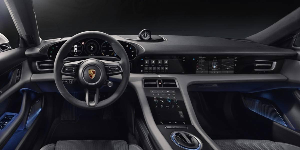 El interior de Porsche Taycan es elegancia sencilla: minimalista, ultramoderno y sostenible