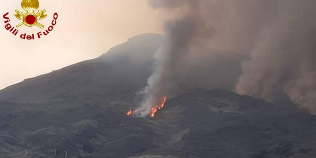 VIDEOS. Nueva erupción del volcán Estrómboli alarma a los italianos