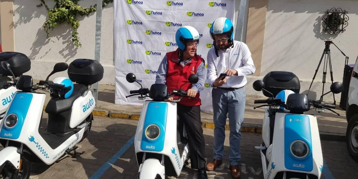 Crece el parque de vehículos ecológicos: lanzan primera flota de motos eléctricas para arriendo en la capital