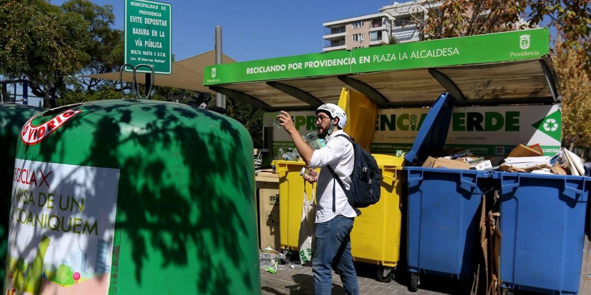 """""""Mi Barrio Recicla"""": el plan piloto de reciclaje que se lanzó en Providencia y luego se aplicará en todo Chile"""