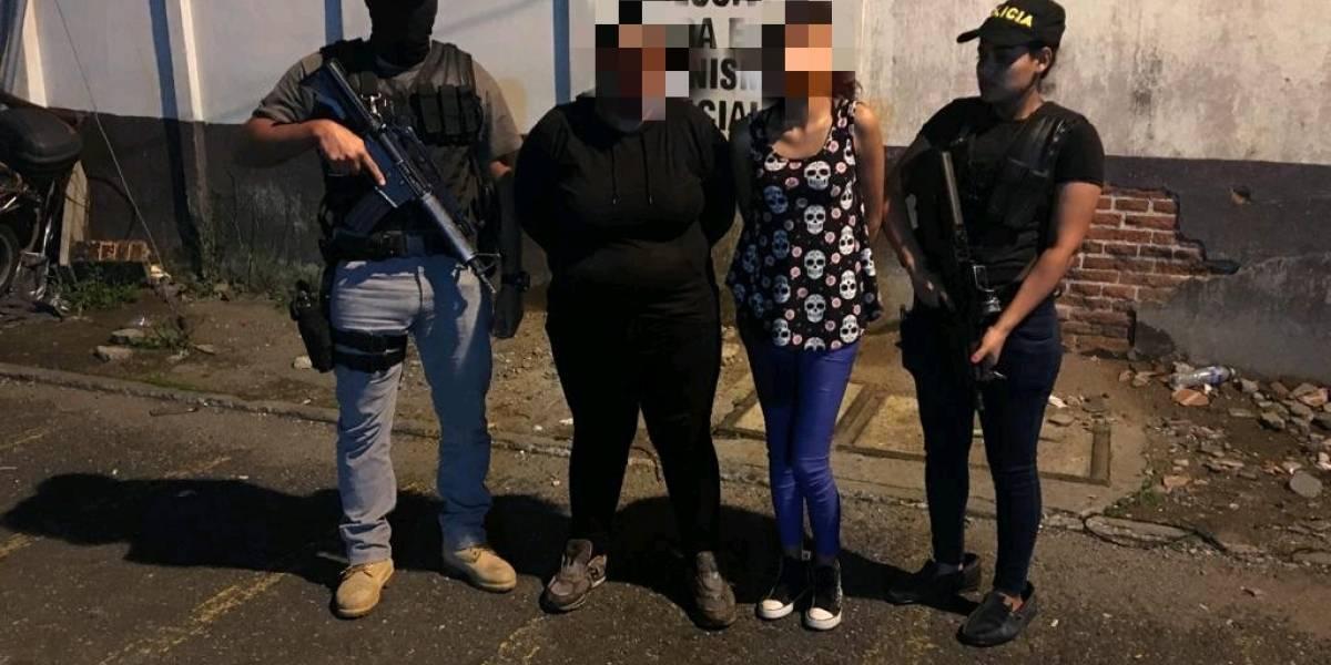 Tres supuestos pandilleros capturados durante allanamientos en la Capital