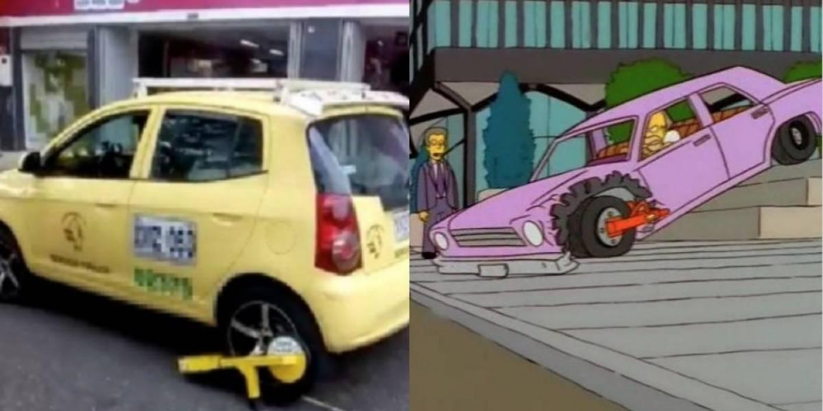 Lo predijeron Los Simpson: taxista maneja con un cepo instalado