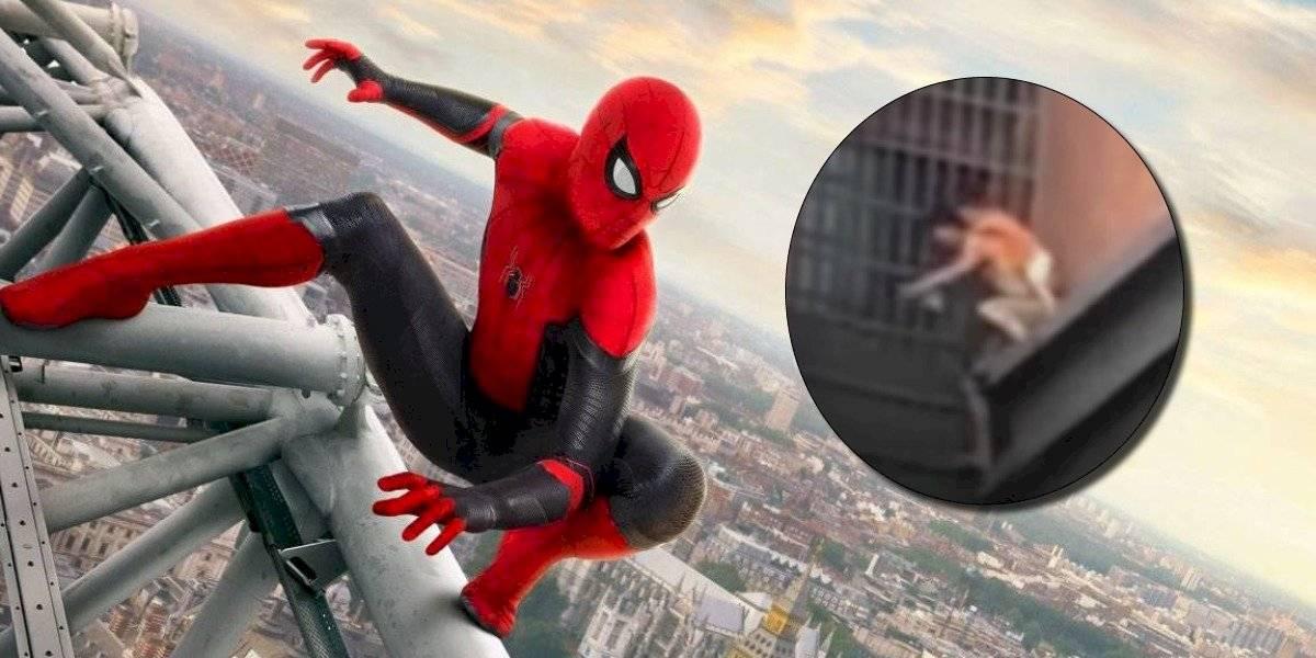 Al estilo de Spiderman un hombre escapa con su sobrino de un incendio