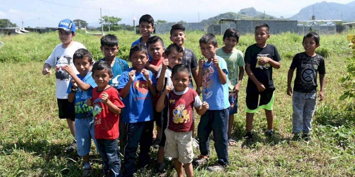 VIDEO. Niños forjan un nuevo camino después de la tragedia del volcán de Fuego