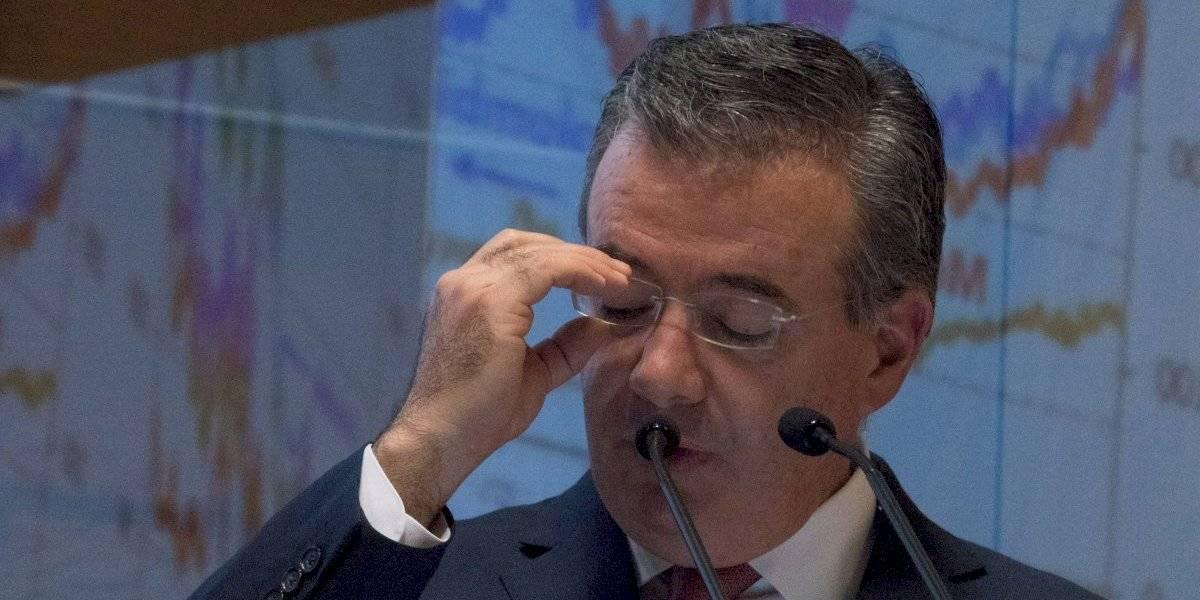 Somos respetuosos del Banco de México, pero estamos bien y de buenas: AMLO