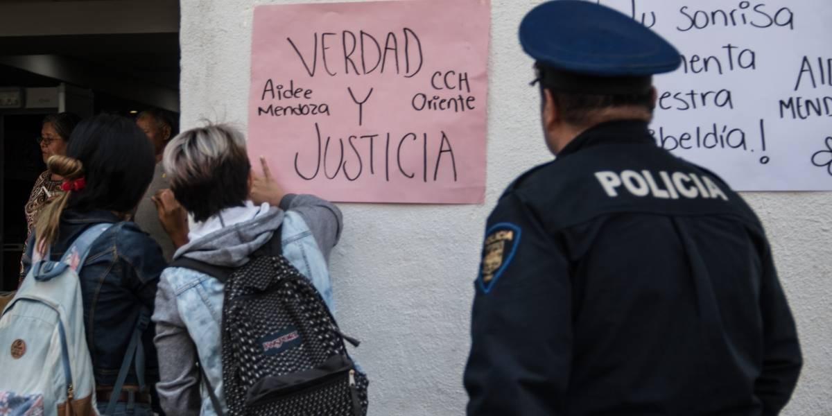 Paola denunció acoso de funcionario y terminó amenazada por policía