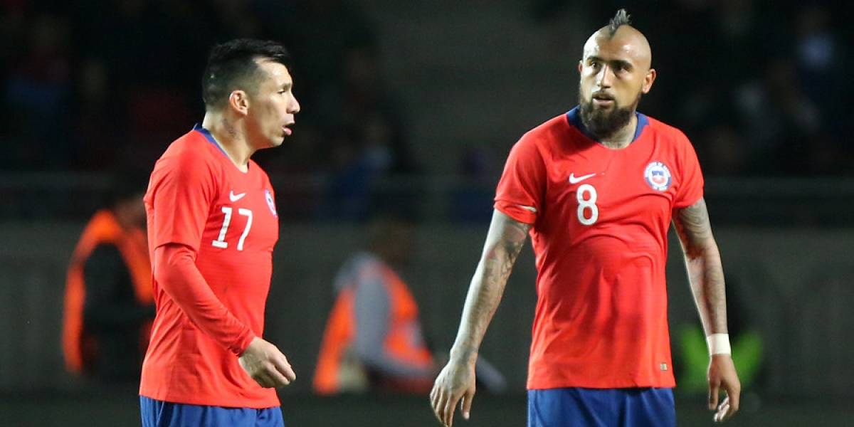 Vidal y Medel encabezan la lista de ausentes en la nómina de Rueda que trajo de vuelta a Bravo a la Roja