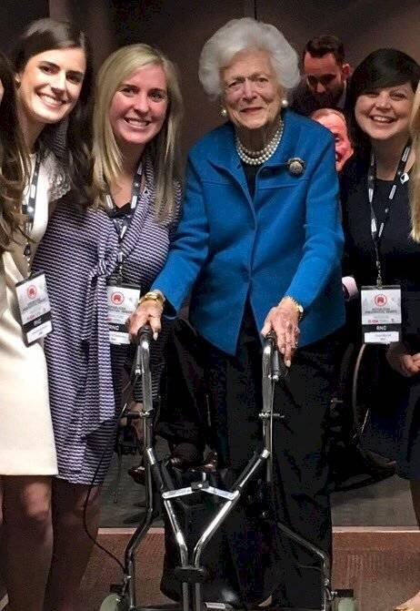 Tuvo la oportunidad de conocer a personalidades como la ex primera dama, Barbara Bush
