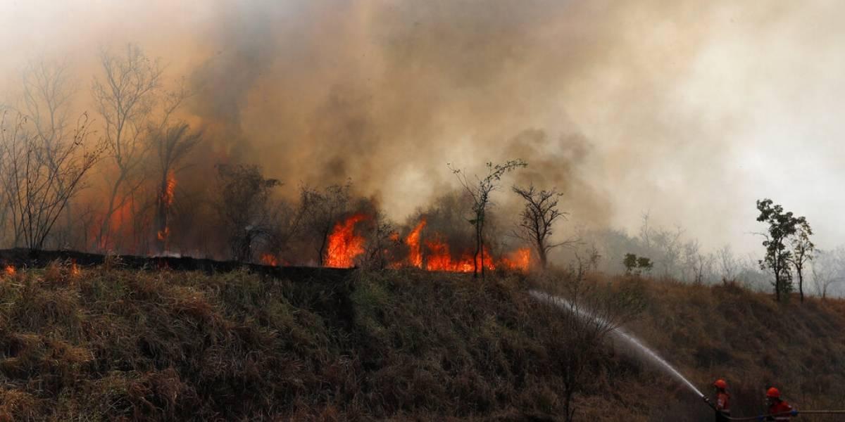 """""""El agua nos está haciendo daño"""": paperas, desmayos y calor intenso afectan a pobladores tras devastadores incendios en Bolivia"""