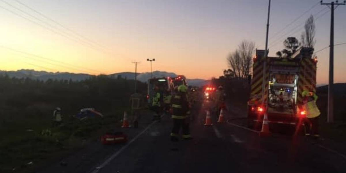 Choque entre bus y automóvil deja saldo de tres víctimas fatales en Peralillo