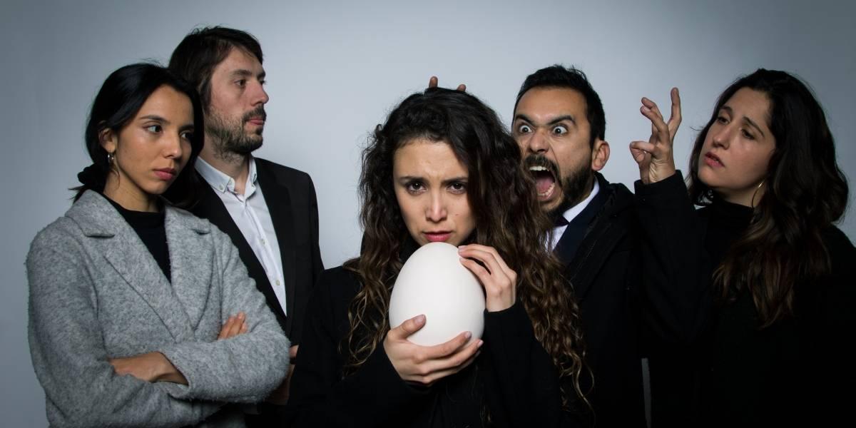 """""""Que se acabe el mundo"""": Romina Norambuena protagoniza comedia negra sobre el duelo y la muerte"""