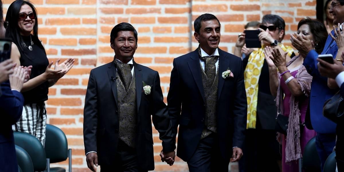 Efraín Soria y Xavier Benalcázar, pareja homosexual, se casaron en Ecuador