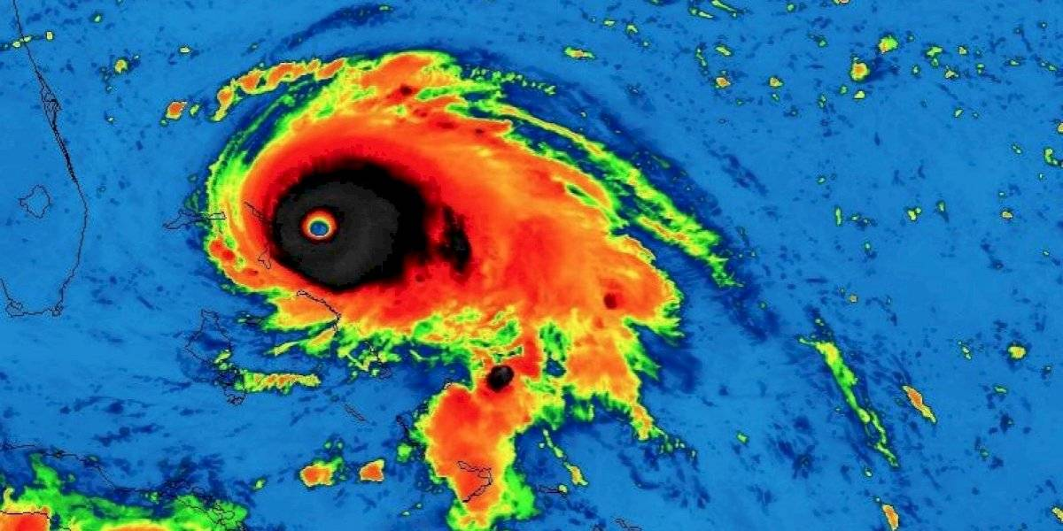 """Con vientos de 260 kilómetros por hora: Dorian se convierte en un """"catastrófico"""" huracán de categoría 5 en su camino a las Bahamas"""