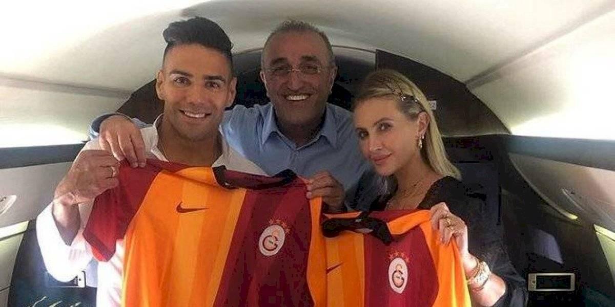 VIDEO: La llegada de Radamel Falcao provoca caos en Turquía