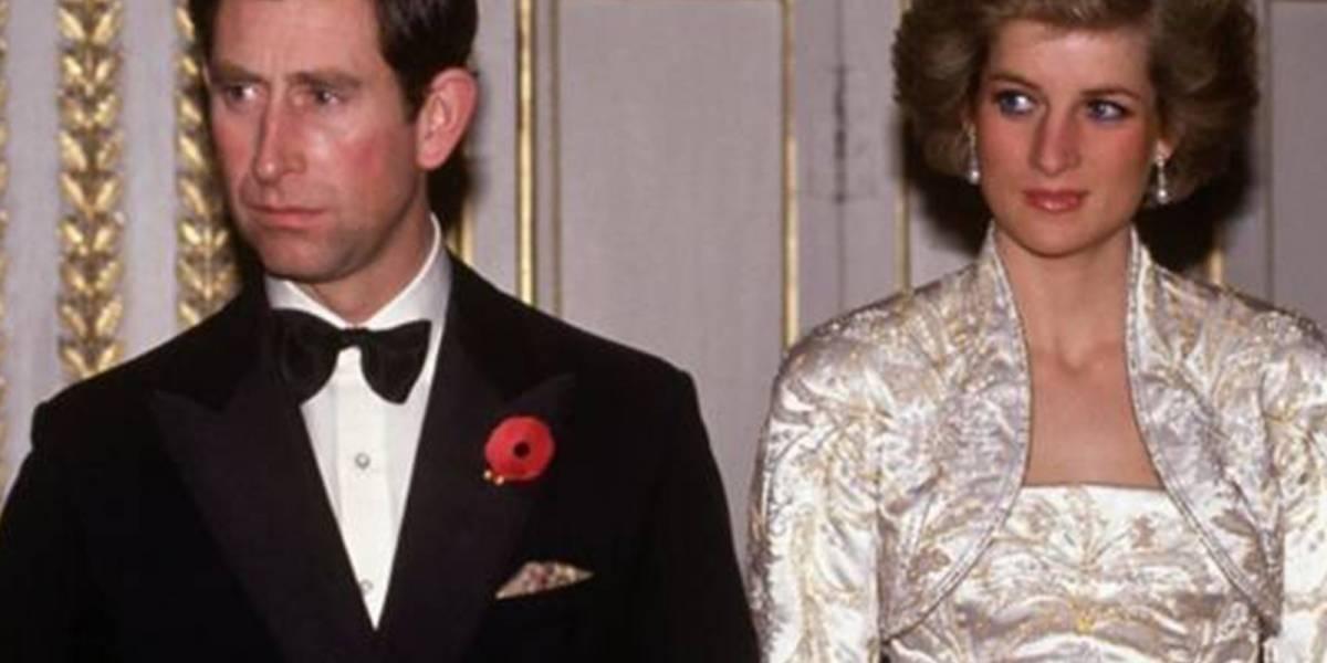 Así fue la fría propuesta de matrimonio del príncipe Carlos a la princesa Diana
