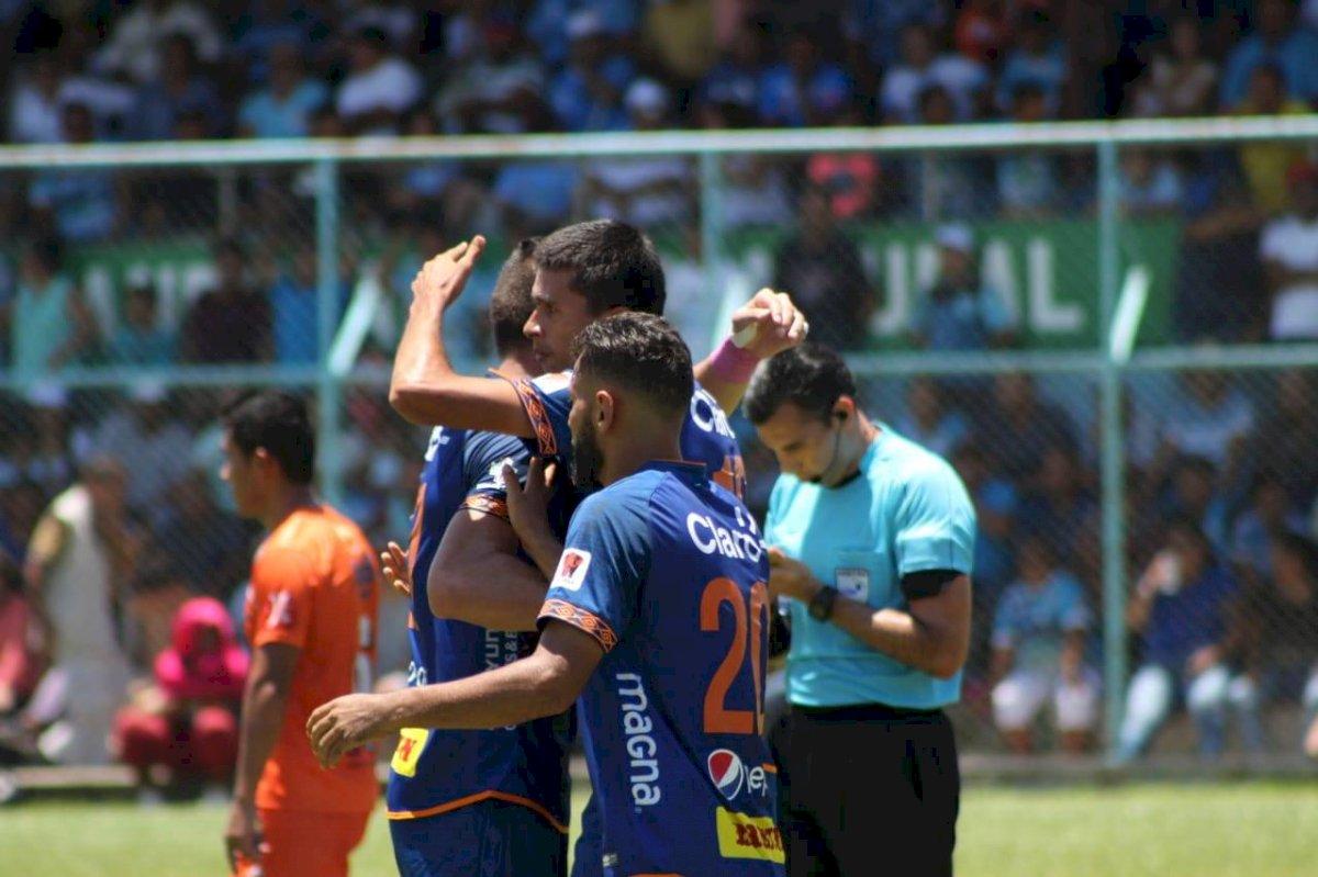 Gol de Othoniel Arce