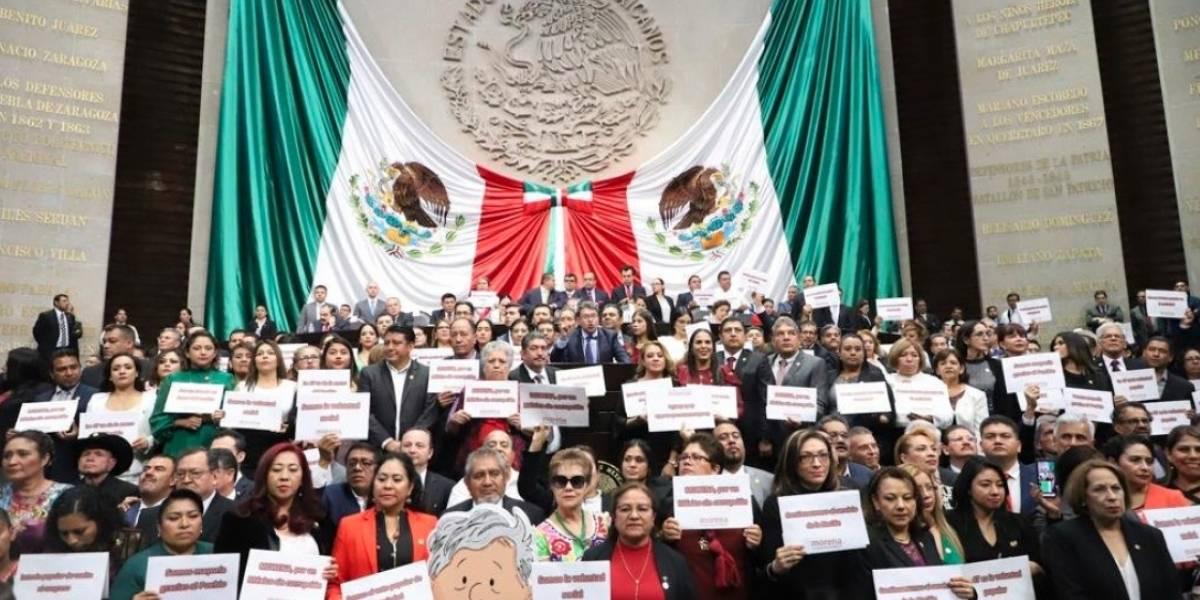 Estamos ante un cambio de régimen: Monreal a la oposición