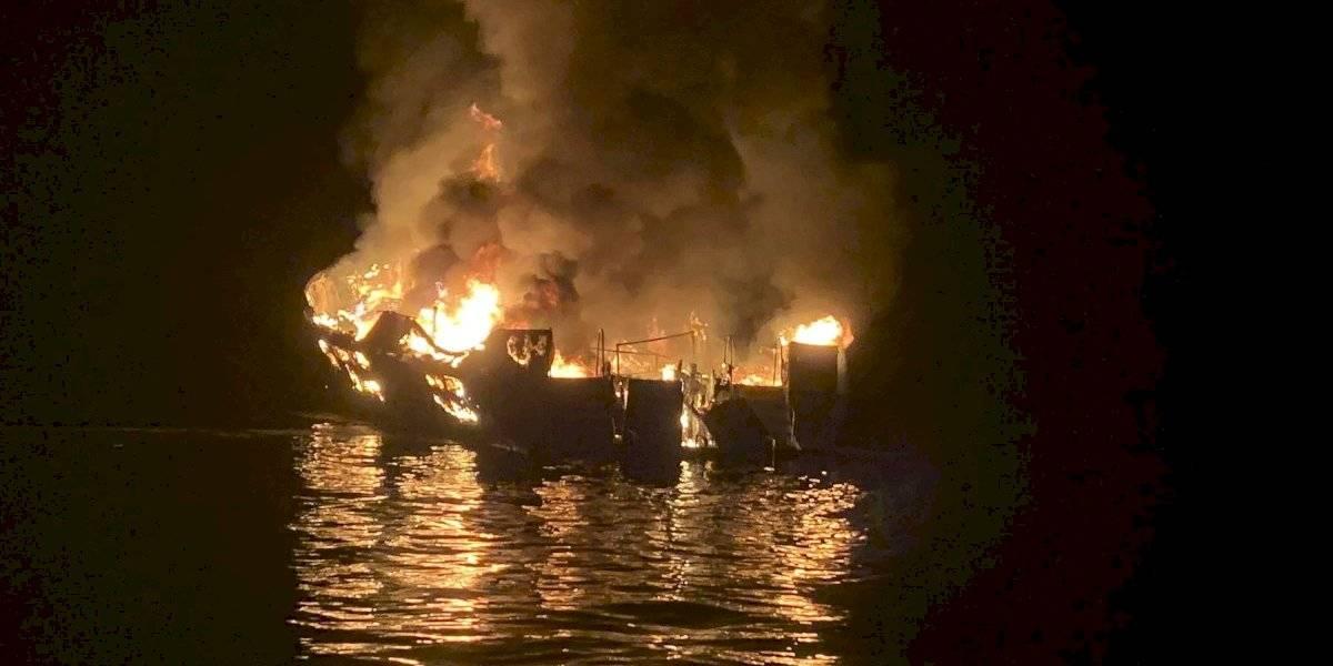 Se incendia barco en la costa de California; hay 34 desaparecidos
