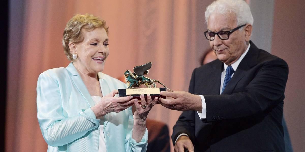 Julie Andrews recebe prêmio Leão de Ouro em Veneza pela carreira