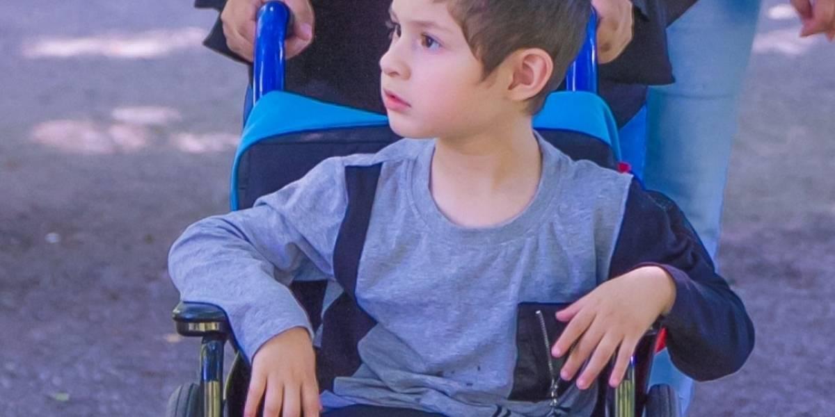 Emanuel Calahorrano, la historia de un pequeño que tiene parálisis cerebral diplejica